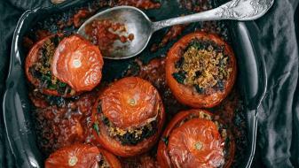 STUFFED TOMATOES WITH RICE AND MUSHROOMS (VEGAN, GLUTEN-FREE)
